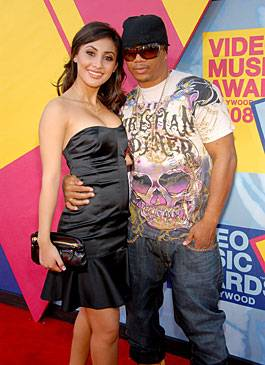 'America's Best Dance Crew' judge Shane Sparks shows off his red carpet swagger at the 2008 MTV Video Music Awards.