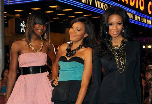 From 'Daddy's Girls' to red carpet vixens, Jessica Brown, Angela Simmons, and Vanessa Simmons prove they're fashionista moguls on the red carpet at the 2009 MTV Video Music Awards.