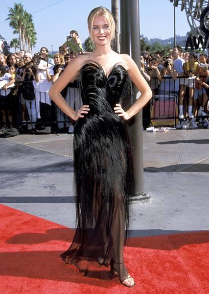 'House of Style' host Rebecca Romijn looks fur-tastic at the 1998 MTV Video Music Awards.
