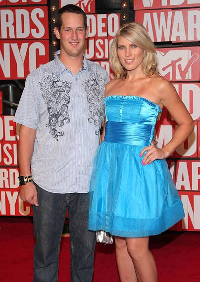 'Nitro Circus' stars Jim DeChamp and Jolene Van Vugt kill it in coordinating hues at the 2009 MTV Video Music Awards.