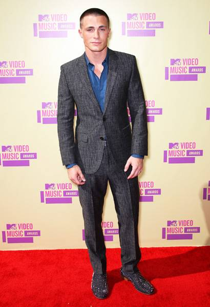 'Teen Wolf' hottie Colton Haynes sure does clean up well! He shows off his impeccable style while smizing for the cameras at the 2012 Video Music Awards.
