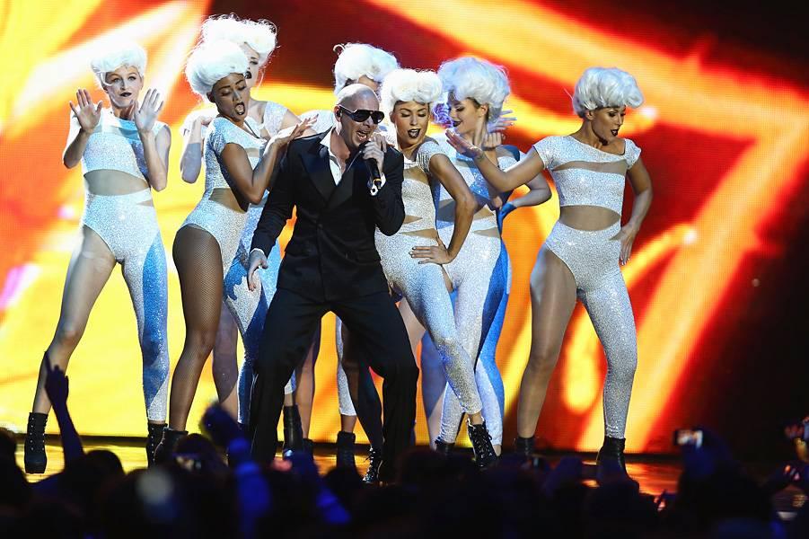 EMA 2012   Showstopping Performances Pitbull   901x600