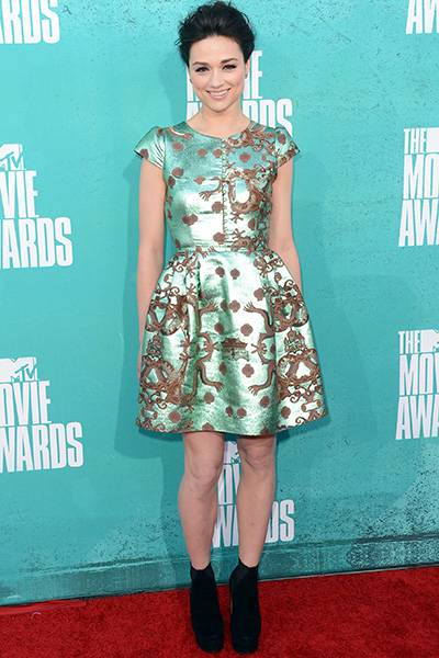 /content/ontv/movieawards/2012/photo/flipbooks/movie-awards-style/prints-and-patterns/2012-crystal-reed-145700038.jpg