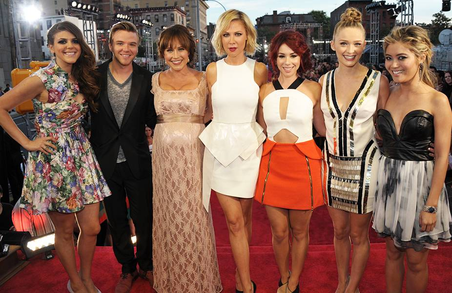 The cast of 'Awkward' looks anything but awkward while posing on the red carpet at the 2013 MTV Video Music Awards.