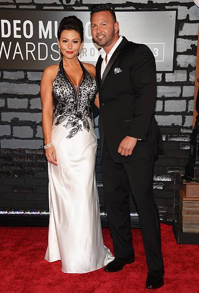 """'Jersey Shore' lovebirds Jenni """"JWoww"""" Farley and Roger Matthews rock color-coordinating looks at the 2013 MTV Video Music Awards."""