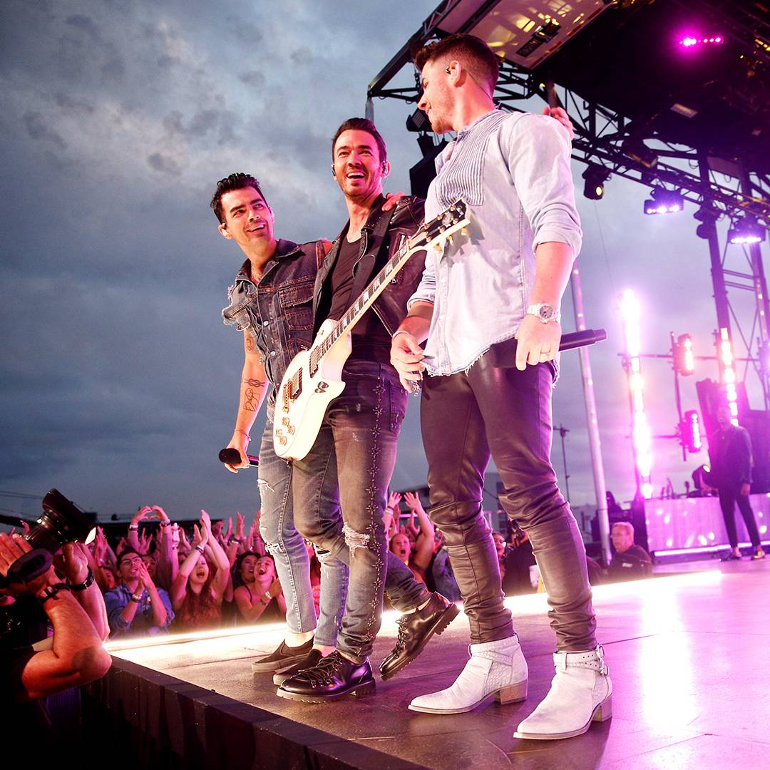 The Jonas Brothers return to the VMAs with an energetic performance at Asbury Park's legendary Stone Pony.