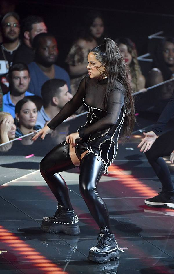 Singer Rosalía dances to her heart's content at the 2019 VMAs.