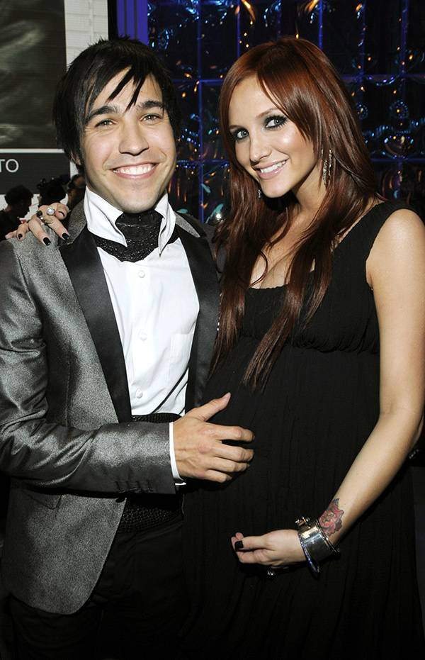 Pete Wentz and Ashlee Simpson at the 2008 VMAs.