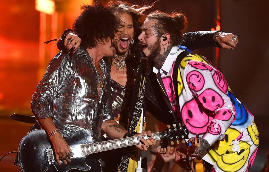 """Post Malone, Aerosmith and 21 Savage perform """"Rockstar,"""" """"Dream On,"""" and """"Toys In The Attic"""" on stage creating one of the most epic collaborations of the 2018 VMAs."""