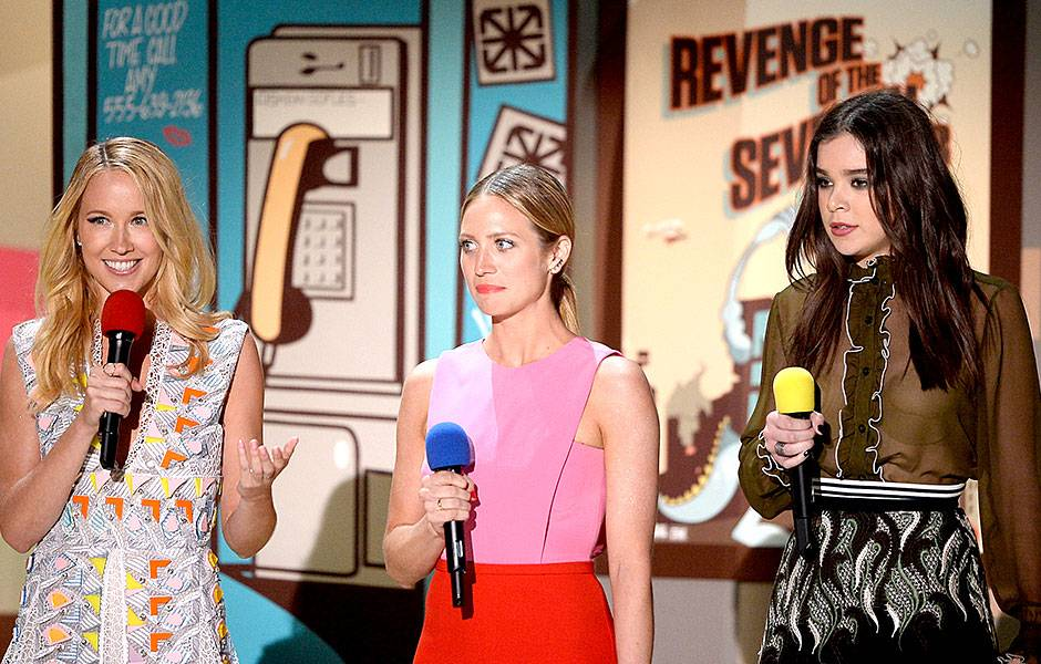 /crop-images/2015/04/12/pitch-perfect-2-hailee-steinfeld-anna-camp-brittany-snow-getty-469525102.jpg