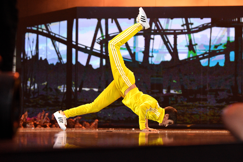 Alyson Stoner works it during her dance routine with Video Vanguard Award-winner Missy Elliott.