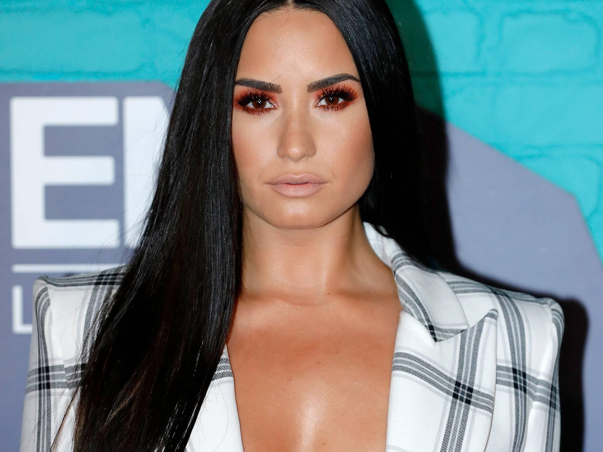 mgid:file:gsp:scenic:/international/mtvema/2017/images/galleries/10-Demi-Lovato-873298744-4x3.jpg
