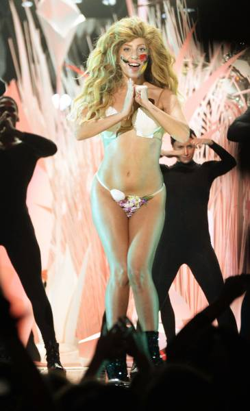 A round of 'Applause' goes out to Lady Gaga who had the audience on their feet after her opening performance at the 2013 Video Music Awards.