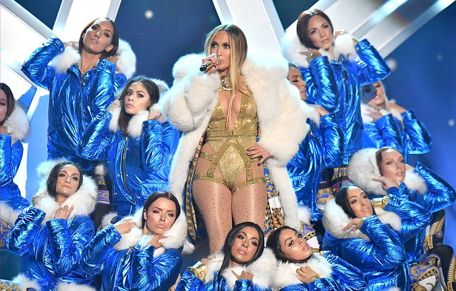 2018 Video Vanguard Honoree and triple threat Jennifer Lopez gave us all a show of a lifetime as she performed a powerful medley of some of her greatest hits.