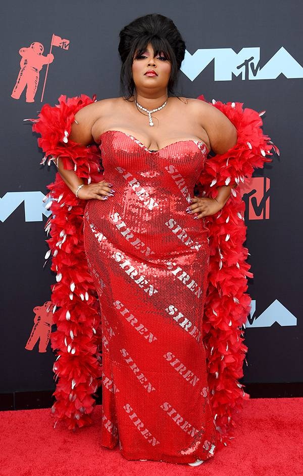 mgid:file:gsp:entertainment-assets:/mtv/events/vma/2019/images/vma19_flipbook_lizzo_600x940_082619.jpg