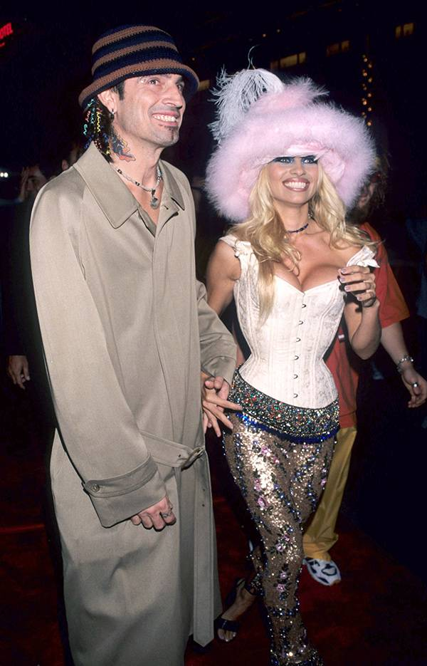Pamela Anderson and Tommy Lee at the 1999 VMAs.