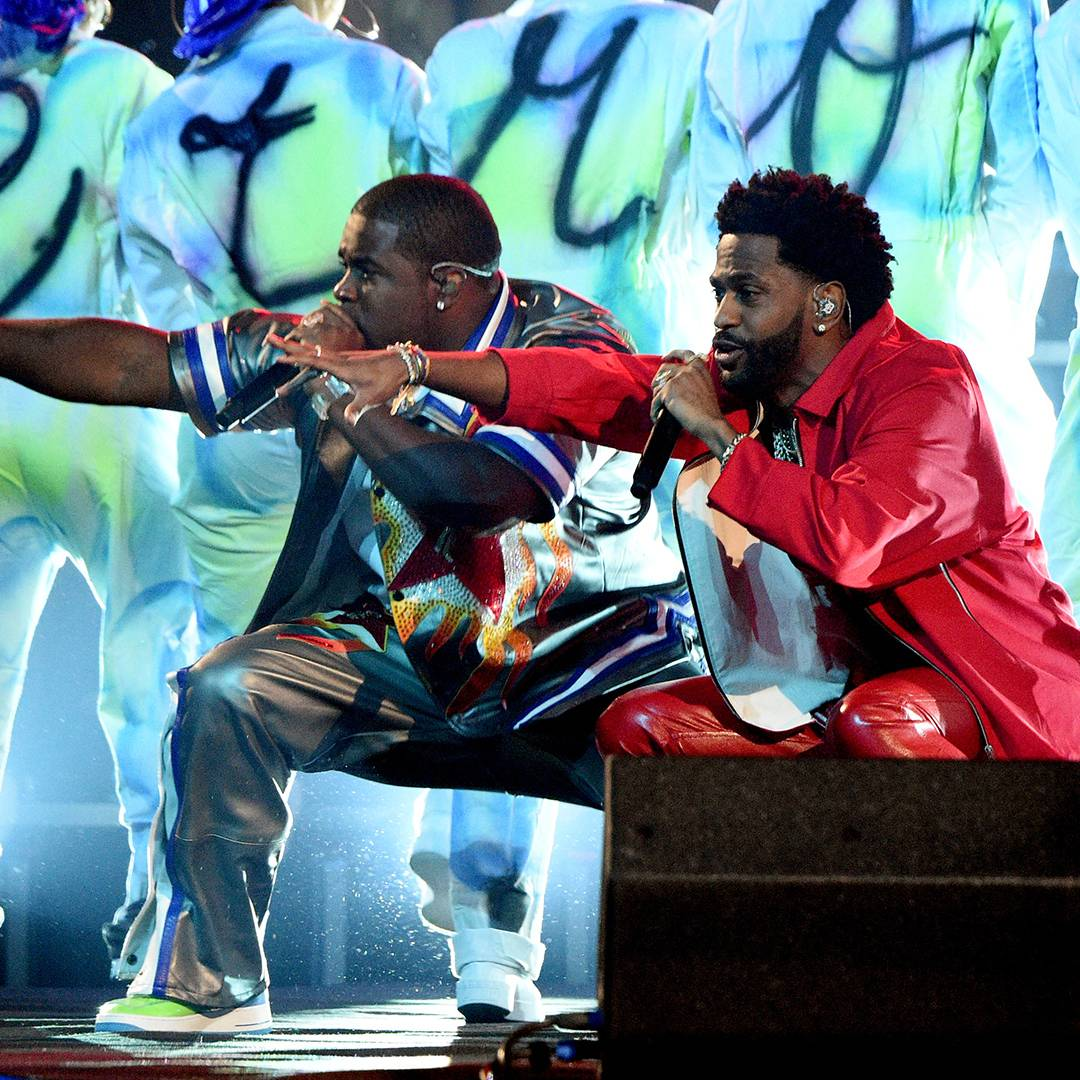 """Big Sean and A$AP Ferg get down low while performing """"Bezerk."""""""