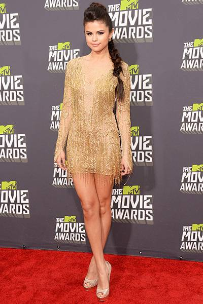 /content/ontv/movieawards/2012/photo/flipbooks/movie-awards-style/mini-dresses/2013-selena-gomez-166644717.jpg