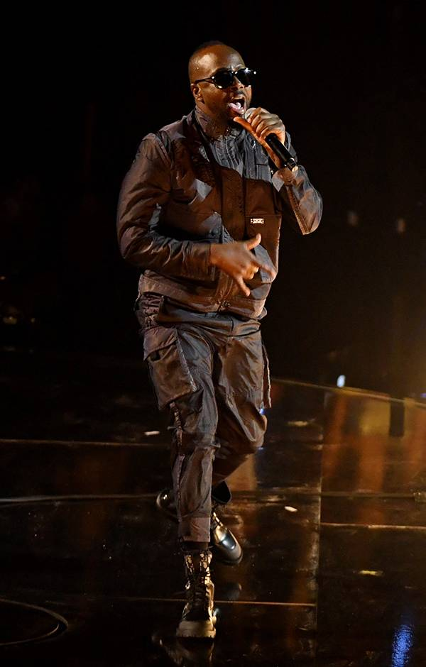 Wyclef Jean graces the stage at the 2019 VMAs.