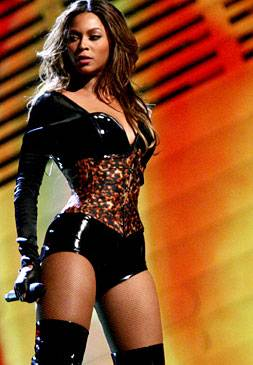 /content/ontv/vma/2006/images/galleries/main_show/act_6/10150445_sq.jpg