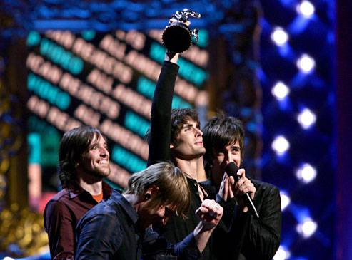 /content/ontv/vma/2006/images/galleries/main_show/act_8/10150500_sq.jpg