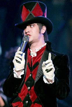 /content/ontv/vma/2006/images/galleries/main_show/act_8/10150644_sh.jpg