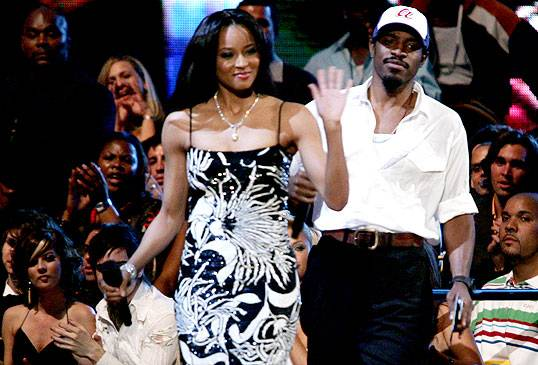 /content/ontv/vma/2006/images/galleries/main_show/act_9/10149365_sq.jpg