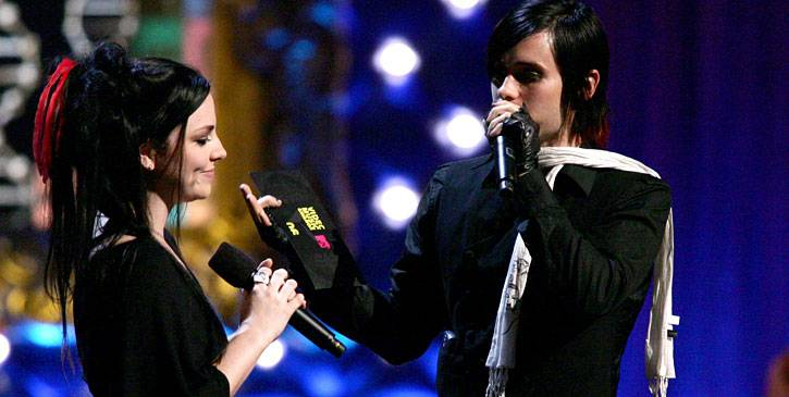 /content/ontv/vma/2006/images/galleries/main_show/act_11/10150497_sq.jpg