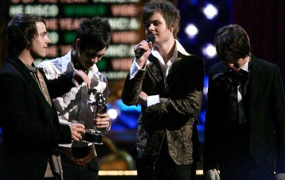 /content/ontv/vma/2006/images/galleries/main_show/act_12/10151277_sq.jpg