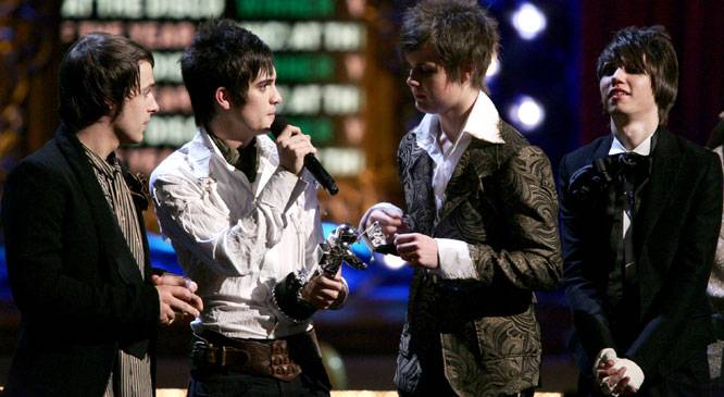 /content/ontv/vma/2006/images/galleries/main_show/act_12/10153017_sq.jpg