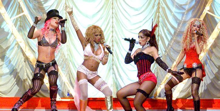 /content/ontv/movieawards/retrospective/photo/flipbooks/showstopping-musical-performances/2001-pink-lil-kim-mya-christina-aguilera-2250392.jpg