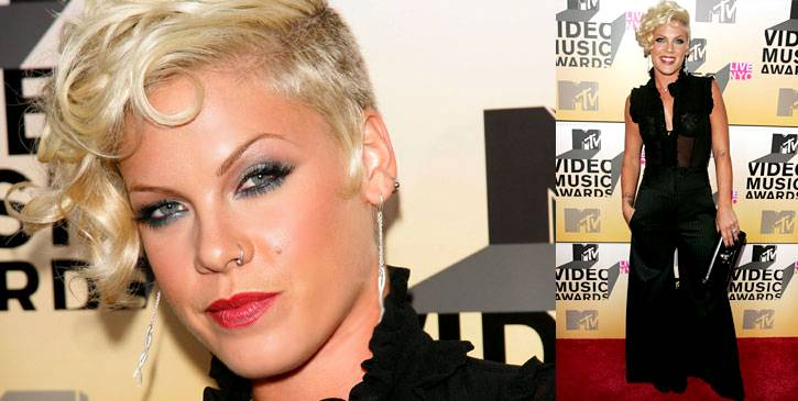 She's not just some stupid girl! Pink glams it up, arriving at the 2006 VMAs in a stylish black pantsuit.