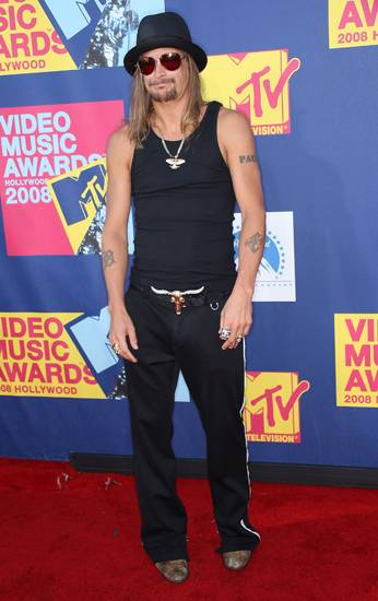 Kid Rock looks every part the dark cowboy in his all-black Western-inspired pieces at the 2008 VMAs.