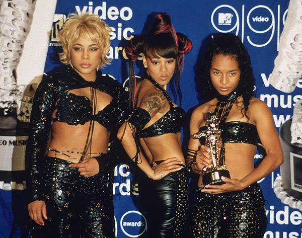 """We know TLC """"don't want no scrubs,"""" so the Moonman must be genuine if they let it pose with them at the 1999 MTV Video Music Awards."""