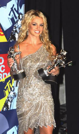 Multiple Moonman winner Britney Spears looks ready to add juggling to her singing, dancing repertoire at the 2008 MTV Video Music Awards.