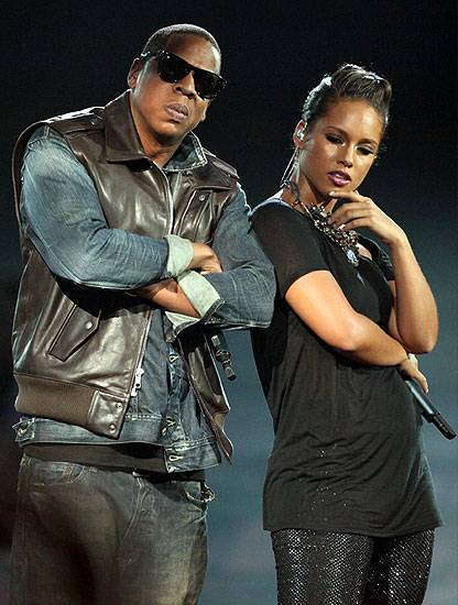 """Jay-Z and Alicia Keys perform """"Empire State of Mind"""" on stage at the 2009 MTV Video Music Awards in New York City."""