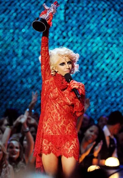 /content/ontv/vma/2009/photo/flipbook/09-show-highlights/lady_gaga_getty90714976.jpg