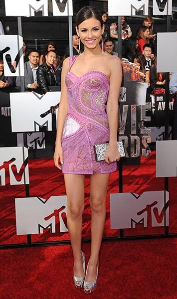/content/ontv/movieawards/2012/photo/flipbooks/movie-awards-style/mini-dresses/2014-victoria-justice-488489939.jpg