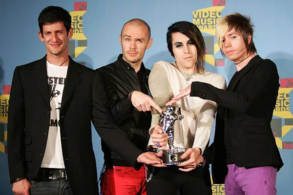 A.F.I. prove their hard rock tunes can stand up on their own as they beat out VMA vets Green Day and Red Hot Chili Peppers for 2006's Best Rock Video.