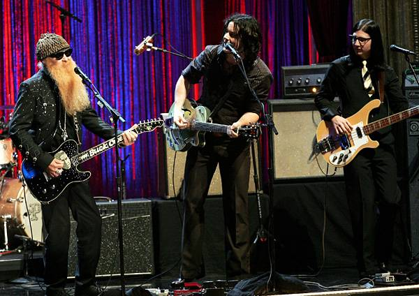 """Billy Gibbons of ZZ Top and The Raconteurs perform """"Cheap Sunglasses"""" at Radio City Music Hall at the 2006 MTV Video Music Awards."""