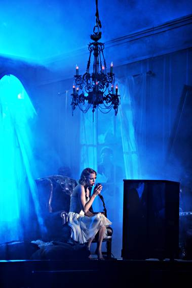 """Taylor Swift performs """"Innocent"""" on stage during the 2010 MTV Video Music Awards in Los Angeles."""