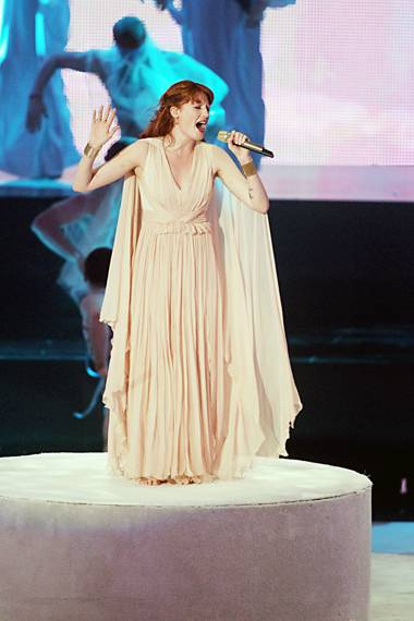 """Florence + the Machine perform """"Dog Days Are Over"""" on stage during the 2010 MTV Video Music Awards in Los Angeles."""