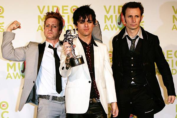 """Green Day sweeps the 2005 MTV VMAs with seven wins, including top honor Video of the Year for """"Boulevard of Broken Dreams."""""""