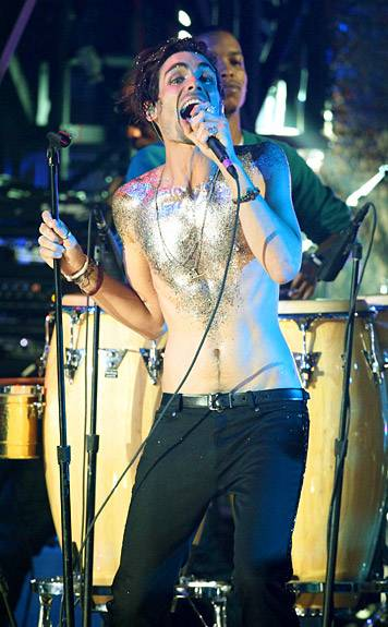 9.12.2010, Los Angeles, CA: Tyson Ritter keeps his outfit simple as he forgoes a shirt for gobs of glitter.