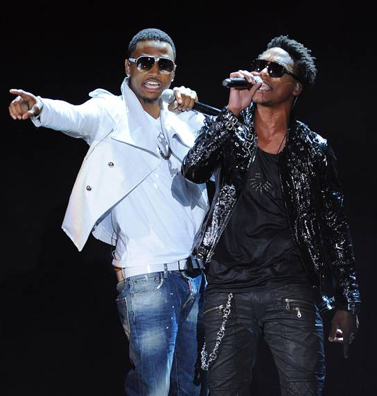 /content/ontv/movieawards/retrospective/photo/flipbooks/showstopping-musical-performances/2011-trey-songz-lupe-fiacso-pg450473.jpg