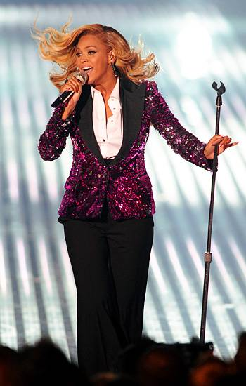 """Beyoncé performs """"Love On Top"""" on stage at the 2011 MTV Video Music Awards in Los Angeles."""