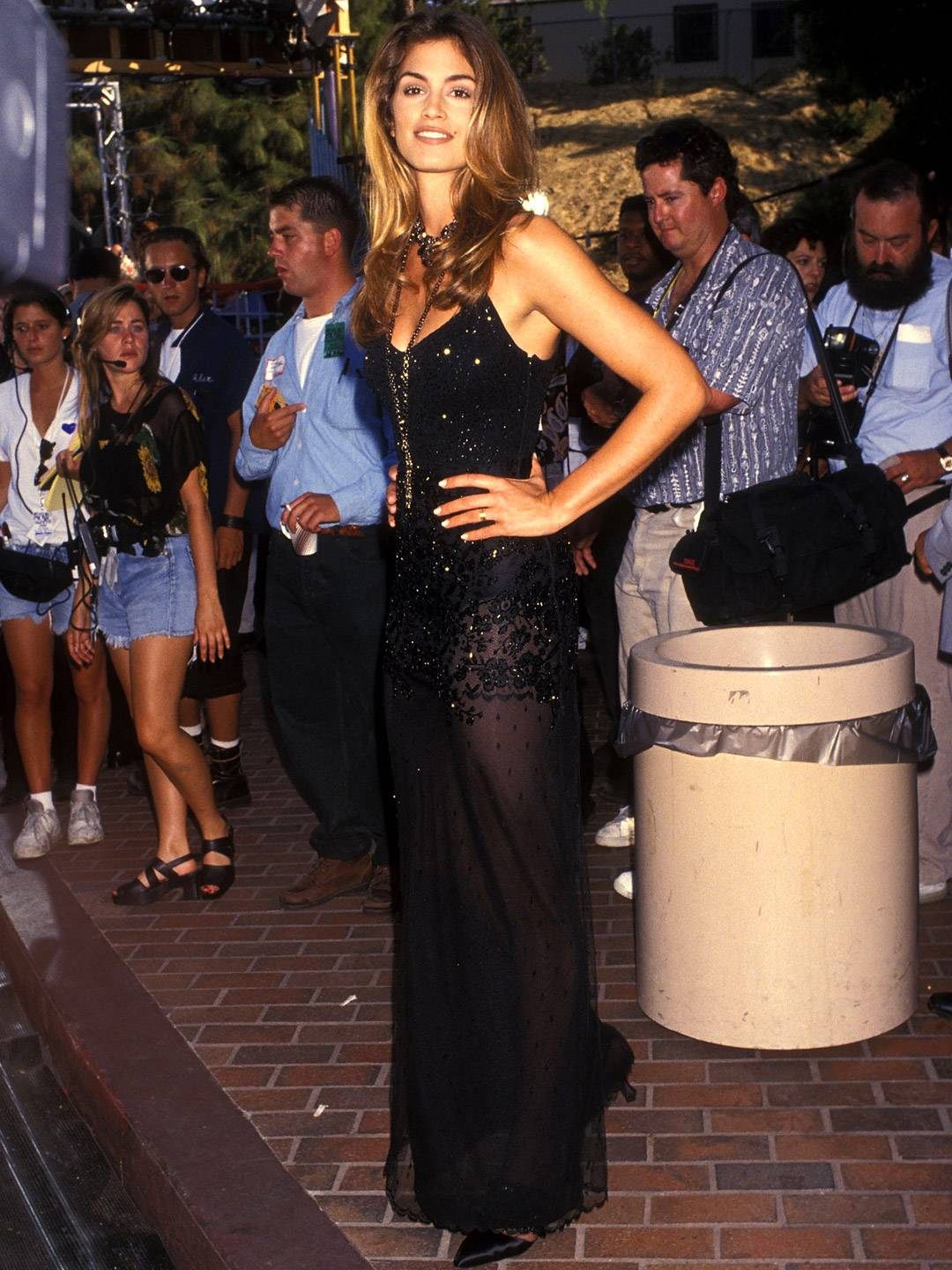 MTV Video Music Awards 2021   Are These MTV VMA 90s Looks Making a Comeback?   Cindy Crawford   1080x1440