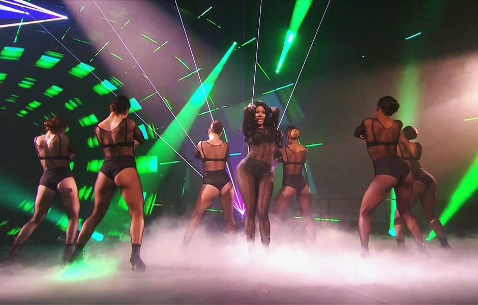 EMA 2014   Showstopping Performances Nicki Minaj   940x600