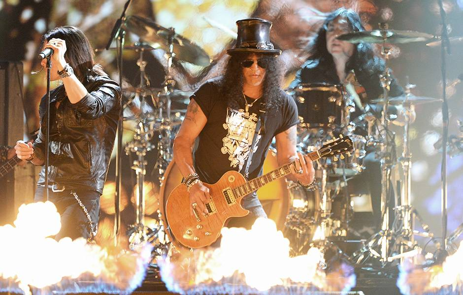 EMA 2014   Showstopping Performances Crazy Train   940x600