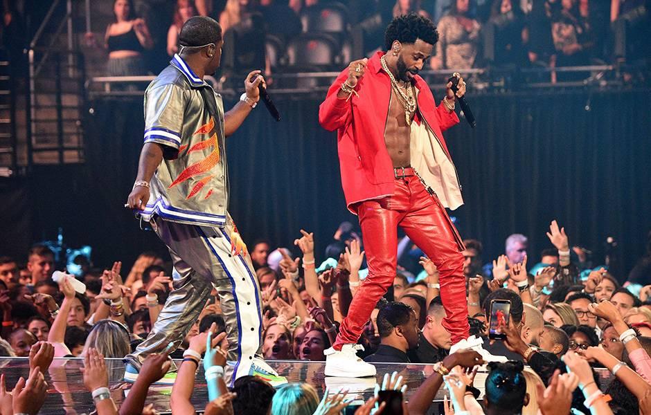 """Big Sean and A$AP Ferg perform """"Bezerk"""" at the 2019 VMAs."""
